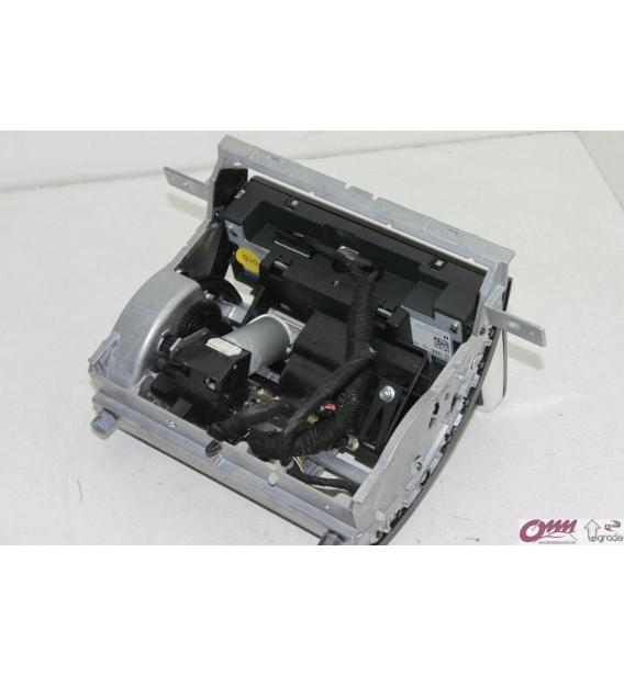 Audi A8 MMI 2G Motorlu Ekran Tamiri