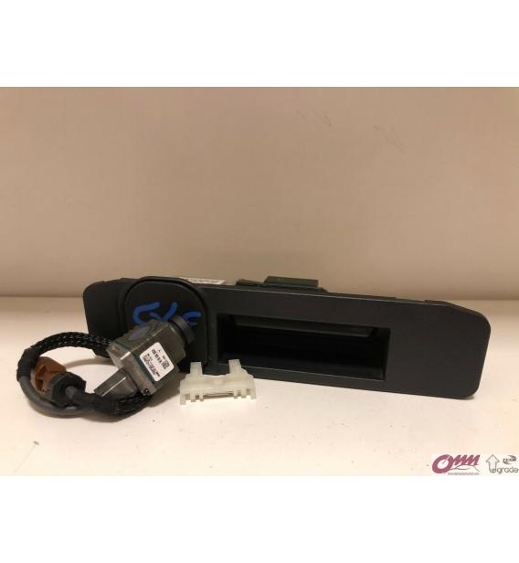 Mercedes C Serisi W205 Motorlu Kamera Sistemi